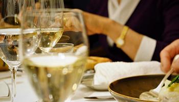 ビジネスパーソンのための会食テーブルマナー
